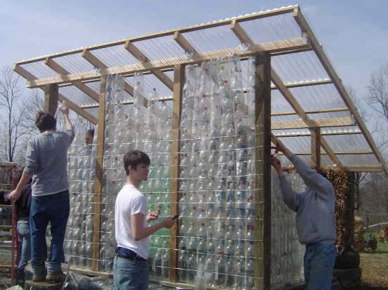 Learn To Build Garden Structures Out Of Plastic Bottles