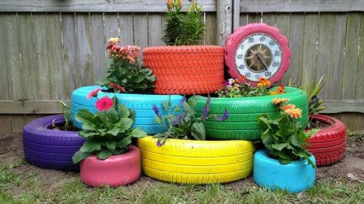 8 clever and unique diy recycle projects for spring d i for Recycling ideas for your garden